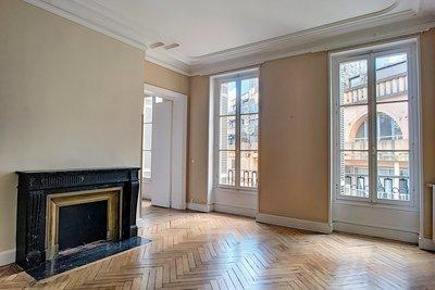 - 6 rooms - 191 m²