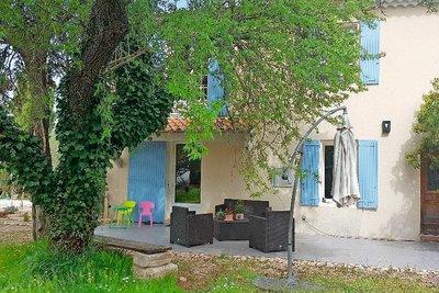 Maison à vendre à ST-REMY-DE-PROVENCE  - 5 pièces - 180 m²