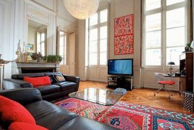 Apartment for sale in BORDEAUX  - 8 rooms - 250 m²