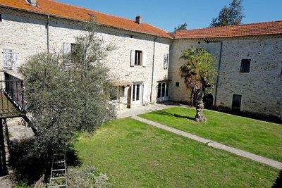 Maison à vendre à MONTELIMAR  - 12 pièces - 250 m²