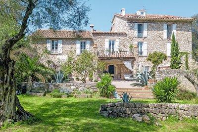 Appartement à vendre à ROQUEFORT-LES-PINS  - 4 pièces - 200 m²
