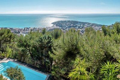 Maison à vendre à ROQUEBRUNE-CAP-MARTIN  - 9 pièces - 280 m²