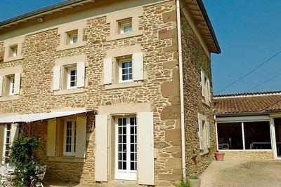 Maison à vendre à CHATEAUNEUF DE GALAURE  - 8 pièces - 255 m²