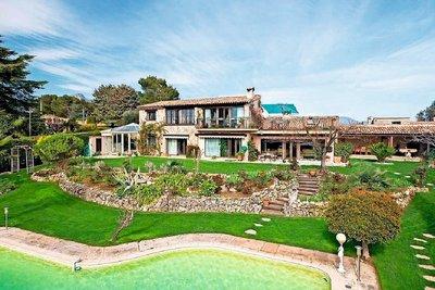 Maison à vendre à VENCE  - 8 pièces - 450 m²