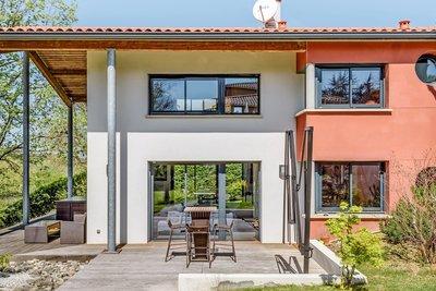 - 7 rooms - 280 m²