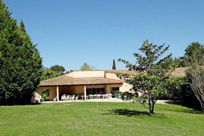 Maison à vendre à LUYNES   - 220 m²
