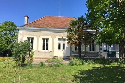 Maison à vendre à VILLEFRANCHE DE LONCHAT  - 5 pièces - 160 m²