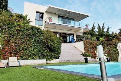 Maison à vendre à MENTON  - 6 pièces - 220 m²