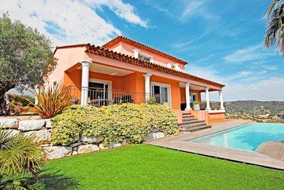 Maison à vendre à PEGOMAS  - 6 pièces - 300 m²