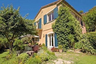 Maison à vendre à LACOSTE  - 6 pièces - 155 m²
