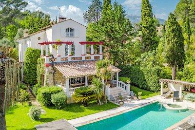 Maison à vendre à ROQUEFORT-LES-PINS  - 6 pièces - 240 m²