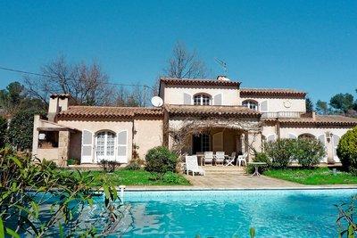 Maison à vendre à ROQUEFORT-LES-PINS  - 8 pièces - 250 m²