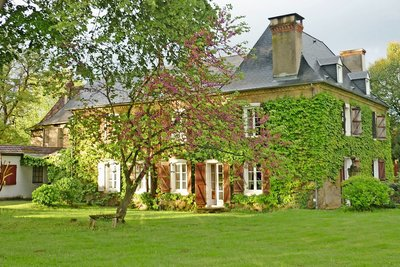 House for sale in SAUVETERRE-DE-BEARN