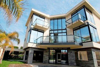Maison à vendre à CAGNES-SUR-MER  - 6 pièces - 300 m²