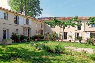 Maison à vendre à GRANS  - 9 pièces - 190 m²