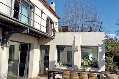 Maison à vendre à ST-CANNAT  - 10 pièces - 330 m²