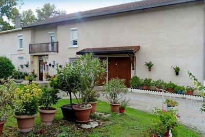 Maison à vendre à AMBERIEU-EN-BUGEY  - 10 pièces - 172 m²