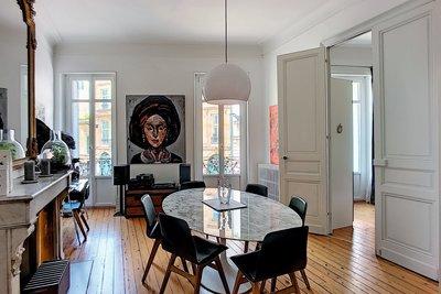 - 5 rooms - 141 m²