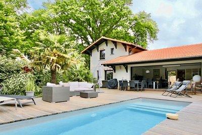 House for sale in LA TESTE-DE-BUCH  - 5 rooms - 157 m²