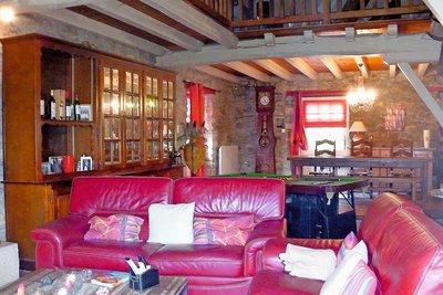 - 5 rooms - 210 m²