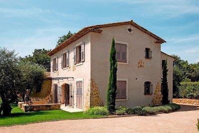 Maison à vendre à OPIO  - 6 pièces - 200 m²