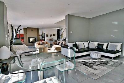 Maison à vendre à MENERBES  - 5 pièces - 240 m²