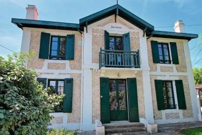 House for sale in ARCACHON  - 5 rooms - 180 m²