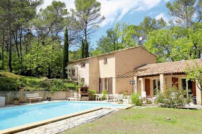 Maison à vendre à PEYNIER  - 7 pièces - 260 m²