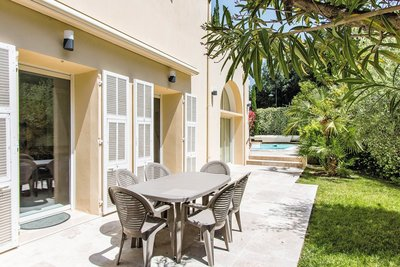 House for sale in BEAULIEU-SUR-MER  - 9 rooms