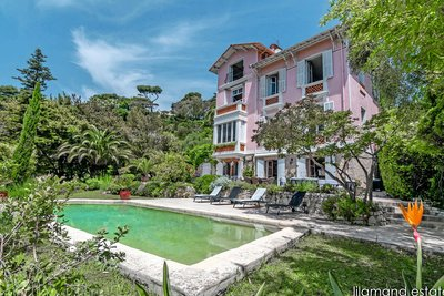- 8 rooms - 350 m²