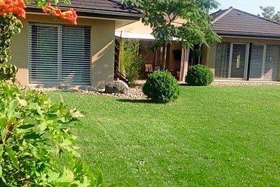 Maison à vendre à VETRAZ-MONTHOUX  - 6 pièces - 181 m²