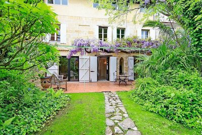 House for sale in BORDEAUX  - 10 rooms - 333 m²