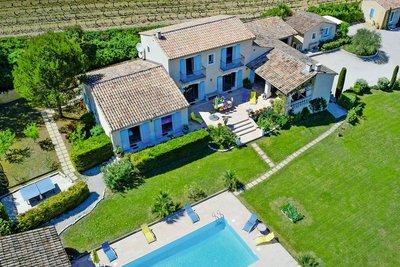 Maison à vendre à VAISON-LA-ROMAINE  - 14 pièces - 380 m²