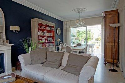 - 7 rooms - 175 m²