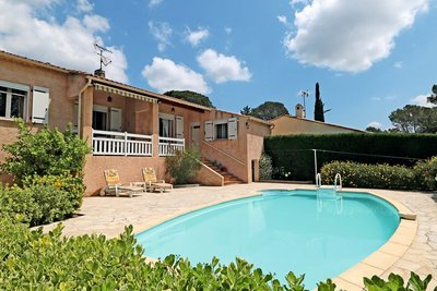 House for sale in ROQUEBRUNE-SUR-ARGENS  - 4 rooms - 74 m²