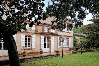 House for sale in TOULOUSE  - 12 rooms - 400 m²
