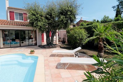 House for sale in ROQUEBRUNE-SUR-ARGENS  - 4 rooms - 84 m²