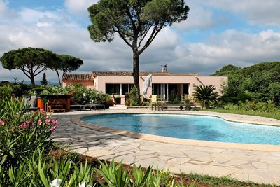 House for sale in ROQUEBRUNE-SUR-ARGENS  - 7 rooms - 250 m²