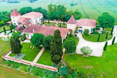 Maison à vendre à AUCH  - 18 pièces - 760 m²