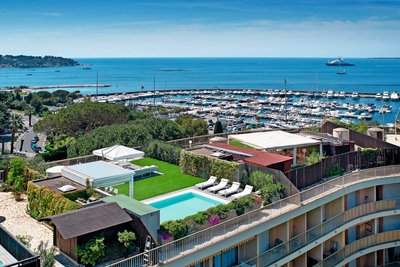 Appartement à vendre à CAP D'ANTIBES  - 5 pièces - 145 m²