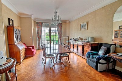 House for sale in BORDEAUX  - 9 rooms - 160 m²