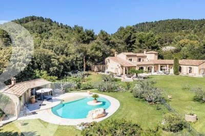 Maison à vendre à LES BAUX-DE-PROVENCE   - 347 m²