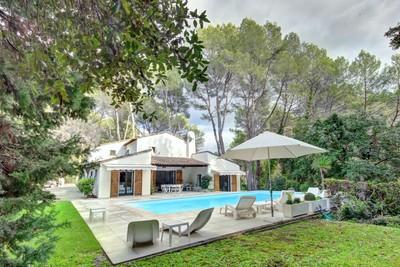 Maison à vendre à MOUGINS  - 7 pièces - 220 m²