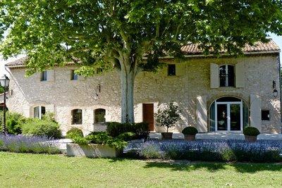 Maison à vendre à CAVAILLON  - 7 pièces - 350 m²