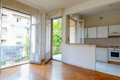 - 3 rooms - 67 m²