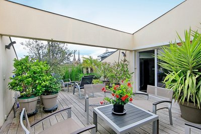 - 5 rooms - 228 m²