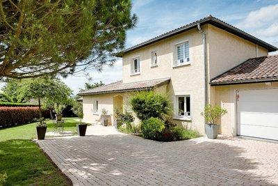 Maison à vendre à MISERIEUX  - 6 pièces - 164 m²