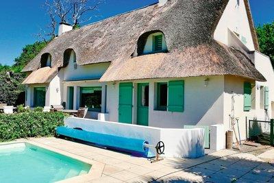 - 8 rooms - 180 m²