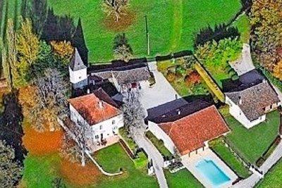 - 8 rooms - 450 m²