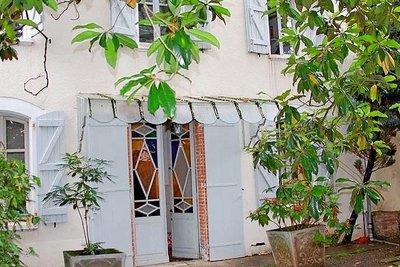 - 8 rooms - 315 m²
